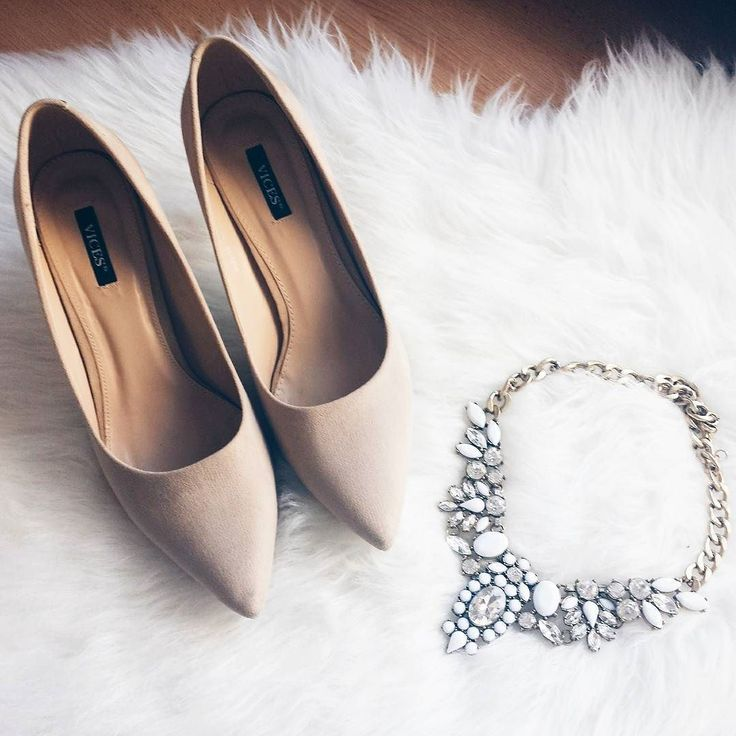 Snow White Statement Necklace - #fashion #fashiontrends #style #shoes #fashionista #jewelry #necklace - 24,90 @happinessboutique.com
