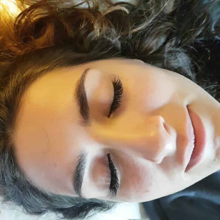 La diferencia entre ojos y ojazos??? ������ Sólo sus extensiones de pestañas...!!! Lista para sus vacaciones, vaya donde vaya lo aguantan todo y te olvidas de llevar mil cosas en la maleta ��☏ citas Alicia 693413363  #love #lashes #eyes #lash #lashextension #eyelashextension #eyebrown #travel #beauty #instabeauty #beautifull #sinfiltros #sinmaquillaje #volumen #before #after #like #lol #video  #amazing #holidays #like4likes #likeforlikes…