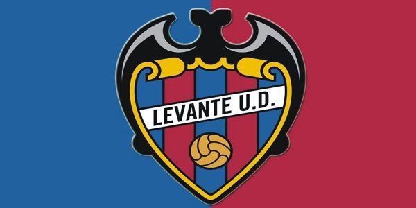 Levante Union Deportiva, S.A.D. merupakan salah satu klub yang musim 2017/2018 menjalani promosi di La Liga. Klub ini berbasis di Valencia, namesake community. Levante didirikan pada tanggal 9 September 1909 dan beberapa musim terakhir berlaga di Segunda Division. Ciutat de Valencia yang mampu menampung hingga kurang lebih 26.354 penonton merupakan kandang dari klub berjuluk Les