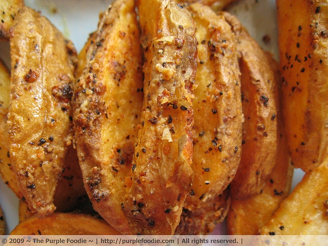 baked fries are always the best!: Olives Oil, Baking Fried, Baking Potatoes, Garlic, Yummy Recipe, Home Fried, Dinners Ideas, French Fried, Kitchens Cabinets