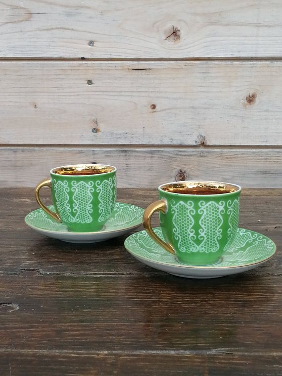 Hey, I found this really awesome Etsy listing at https://www.etsy.com/listing/197917154/home-decor-vintage-green-and-gold-cup