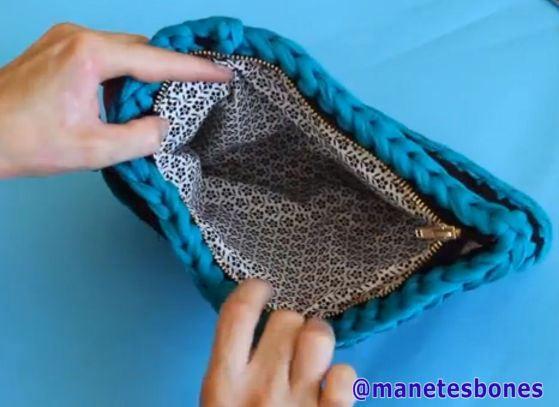 Cómo forrar un bolso de trapillo.