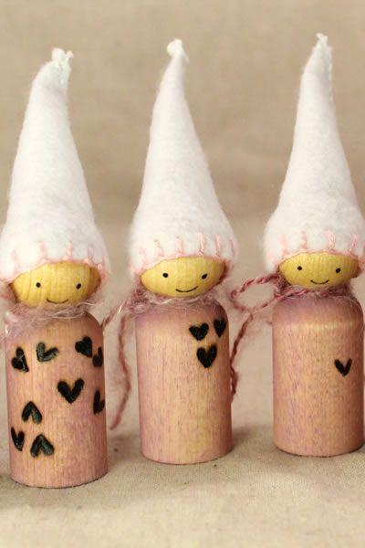 Valentine Tumbling Hearts Sweet Peg Gnomes!