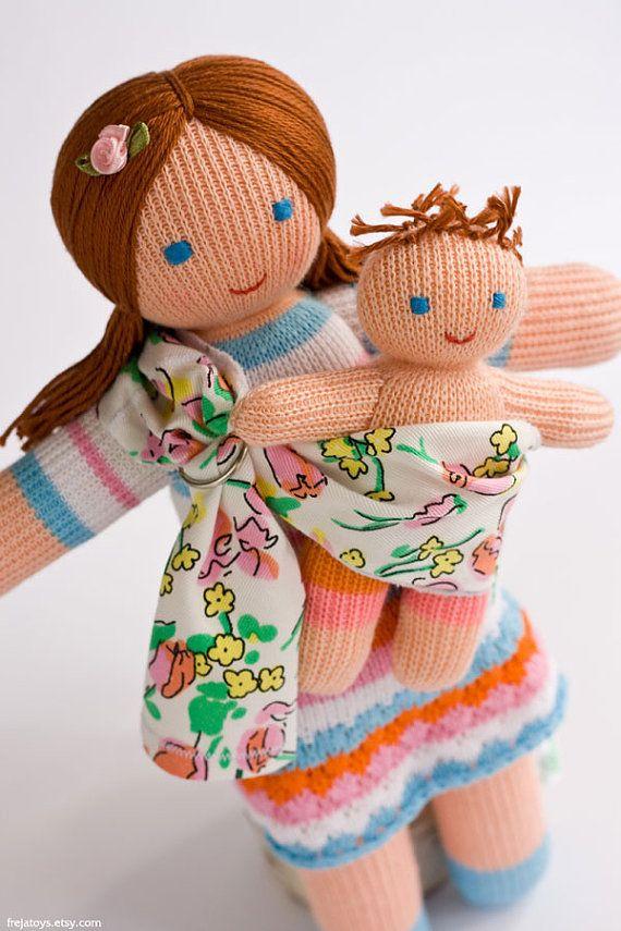 Poupée maman du Portage avec une Baby-Doll - jeu tricot poupées, cadeau pour petite fille, maternité, waldorf, jouets éco - FrejaToys