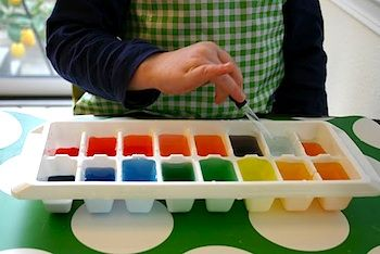 This open ended color mixing activity is easy to prep and promotes science and fine motor development.  This photo shows a child using an eye dropper to mix the colors, but you can also recycle your dried out markers and dip them in  clear water.