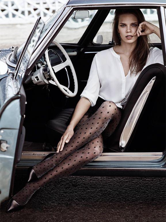 Penti, yılbaşı ışıltısına ortak oluyor! Sim ve parıldayan taş detaylı çoraplar, stile gösterişli bir dokunuş yapıyor.  Penti, #MaltepePark zemin katta.