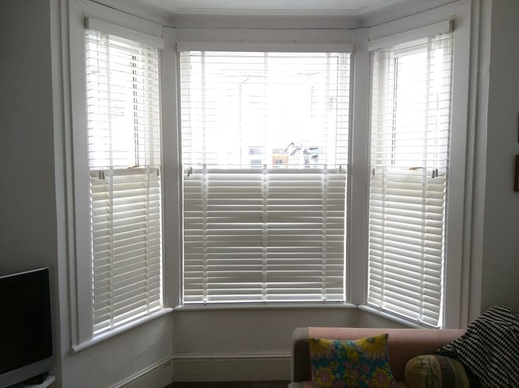 Chalk Wood Venetian Blinds In Bay Window Brighton