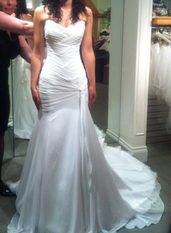 25 best stuff to buy images on pinterest weddings for Wedding dresses for big hips