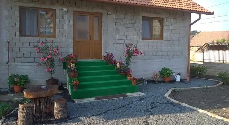 Casa Raisa beneficiază de o locație liniștită în Ocna Sibiului, la 15 minute de mers pe jos de lacurile cu apă sărată. Oaspeţii au la dispoziţie o buc