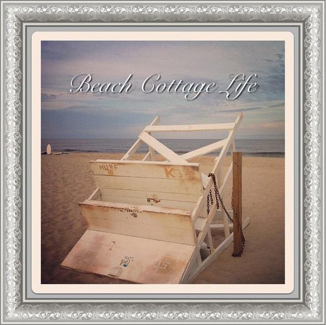 (credit ⚓ René Marie Photography) ⚓ Beach Cottage Life http://www.etsy.com/shop/ReneMariePhotographyBeach House, Beach Cottages, Beach Signs, Beach Living, Coastal Living, Cottages Life, Beach Boards, Beachcottagelif Friends, Beachy Stuff