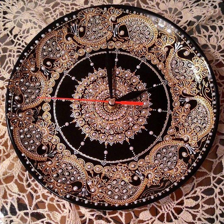 Часы на тарелочке . Кажется, пора закругляться с этой темой ...#роспись#часы#часынатарелке#ручнаяработа#подарок#декор#ярисую#happy#handmade#mehndi