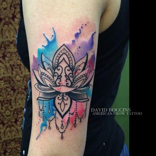 Tatuagem de Flor de Lotus |  Aquarela no Braço