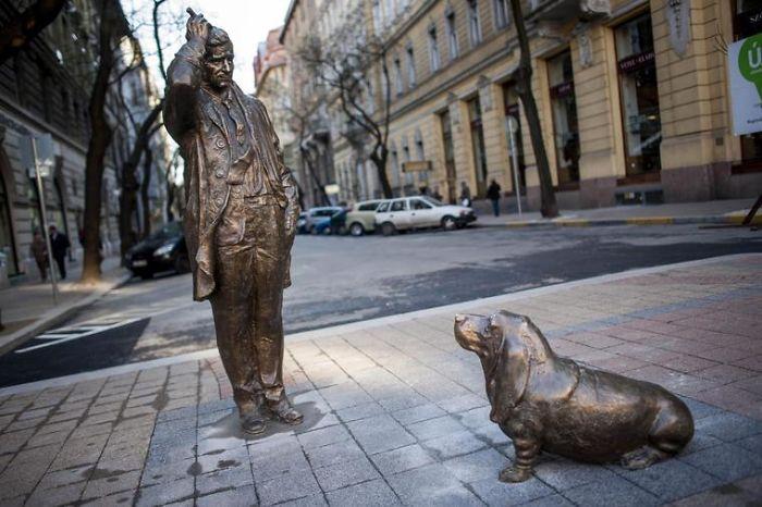 Columbo Statue; Budapest; Hungary