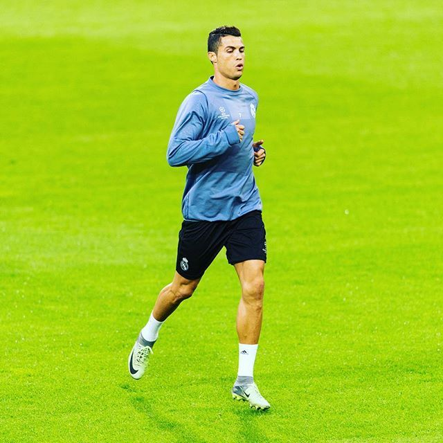 @cristiano has scored 3 goals in 5 games against @bvb09. ⚽ #Cristiano #Ronaldo #RealMadrid #UCL #championsleague