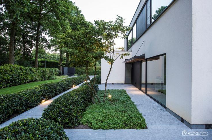 1000 idee n over hedendaagse tuinen op pinterest zit gedeelten in de tuin moderne tuinen en - Aangelegde tuin met kiezelstenen ...