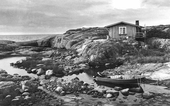 """Tove Jansson spent almost 30 summers on the very small island of Klovharu in Pellinki. She describes the little island in detail, """"reflecting the way in which it represents all the aspects of Finnish nature in microcosm: the miniature forest with paths, the exposed rock face, the central lake or lagoon, the seagulls and other birds, which the author portrays as being unhappy about the invasion of their living space by two human individuals."""""""
