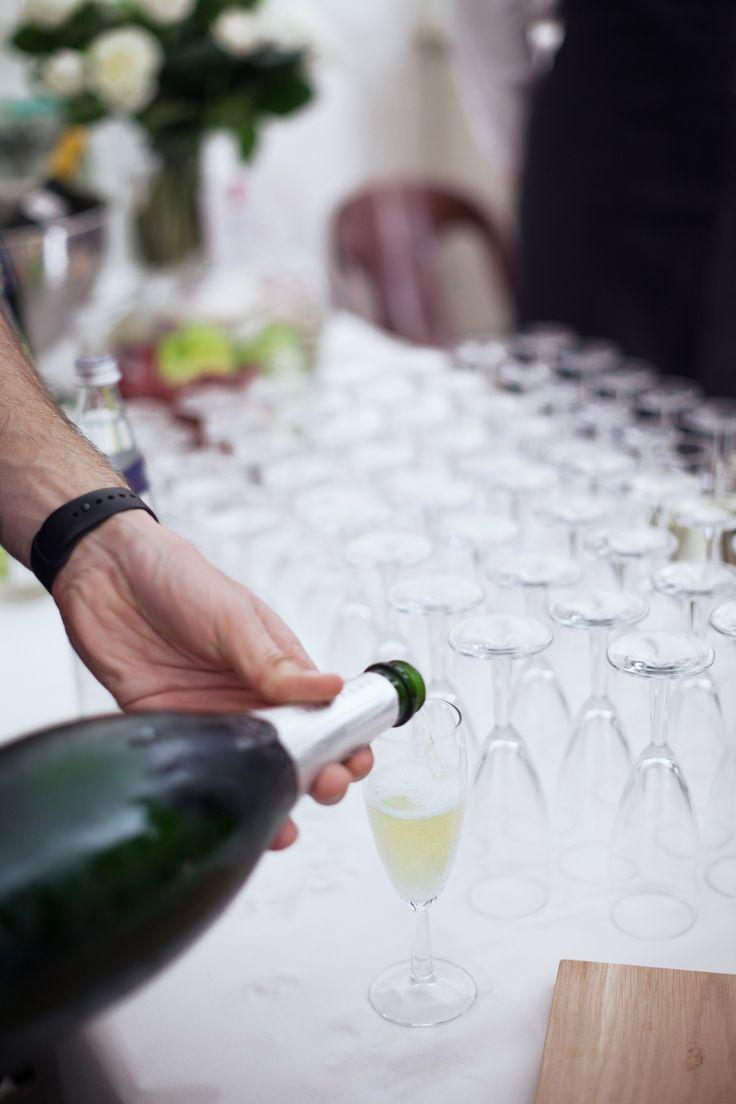 Cocktail déjeunatoire - mariage - apéritif - champagne - parisien - traiteur - mariage à domicile - original - sur-mesure - coloré - Paris