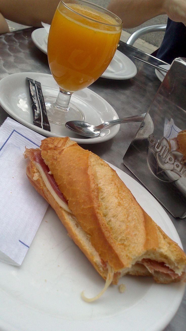 Morning in Barcelona! (own photo)
