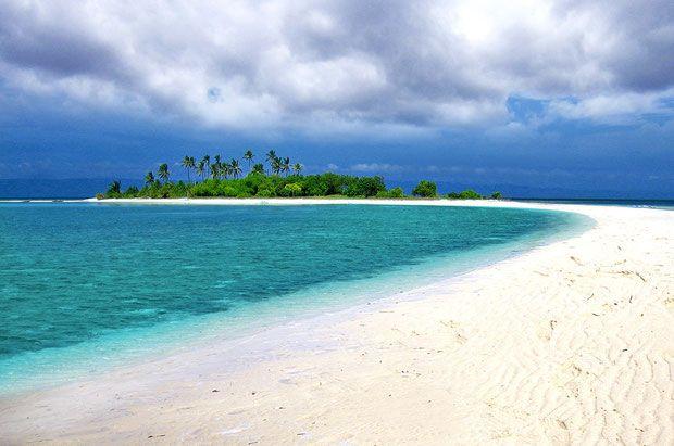 The wonderful pristine Virgin Island - 20 minutes away from panglao. Bohol, Philippines 2013 © Sabrina Iovino   JustOneWayTicket.com