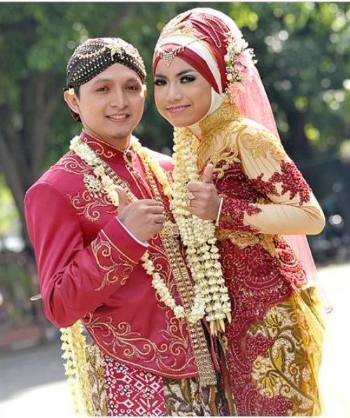 Wedding Gown Surabaya: 19 Best Images About Busana Pengantin On Pinterest