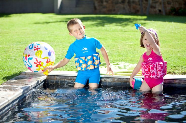 The bright blue clownfish T-shirt Floatsuit  offers even more UV protection, 50+, for delicate young skin because it has a higher neckline and covers the shoulders.