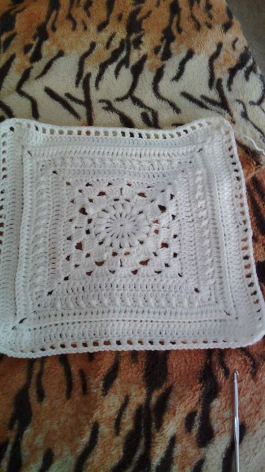 Mandala with us. The Prince Throw is designed by Annamarie Esterhuizen - Proudly South African. You can order the MoYa yarn kit including the pattern from the online shop.