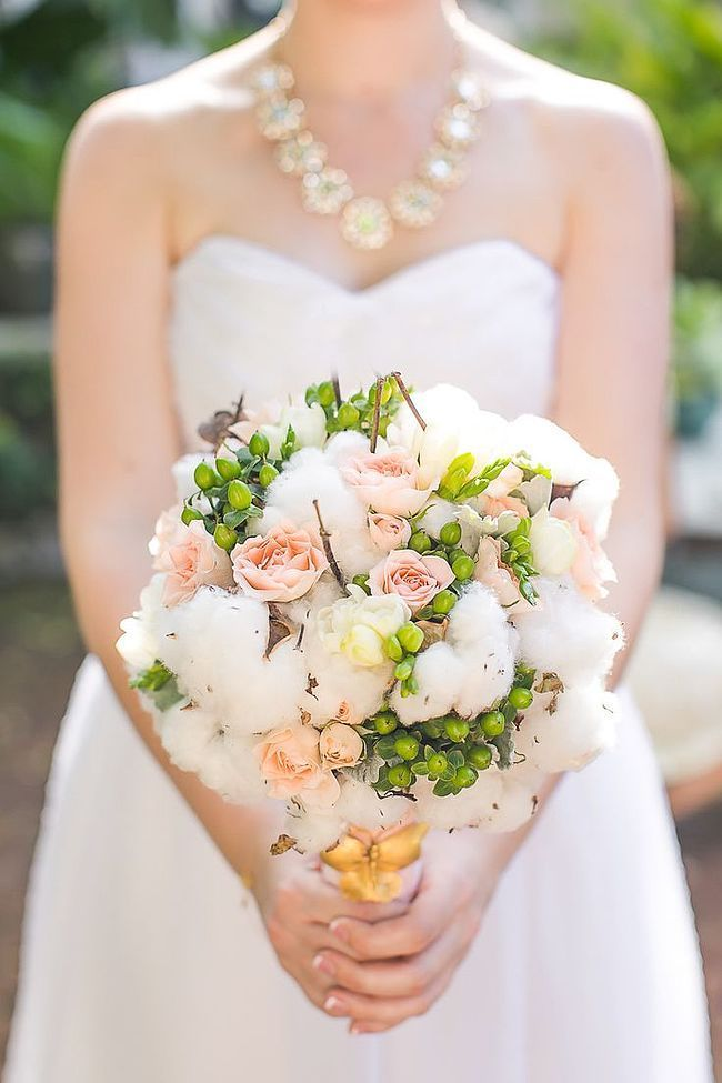 Cute hand bouquet.