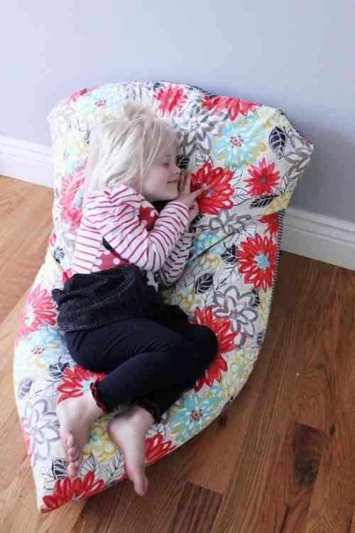 les 25 meilleures id es concernant pouf poire chaises sur. Black Bedroom Furniture Sets. Home Design Ideas