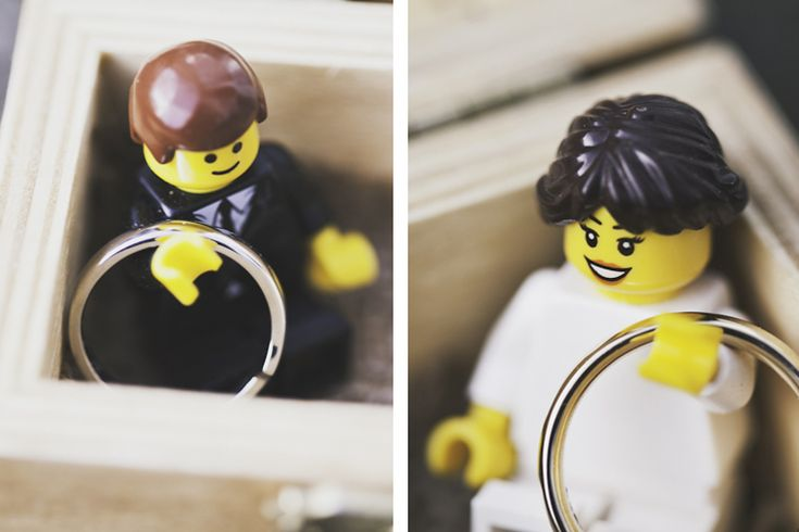 Can't get over how adorable these little lego ring bearers are. They definitely do look like the couple and all! :D