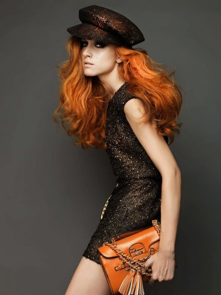 What a glossy dress! Short sleeve boxy dress with V back. #fashion #womensfashion #boxydress #chic #toimoifashion