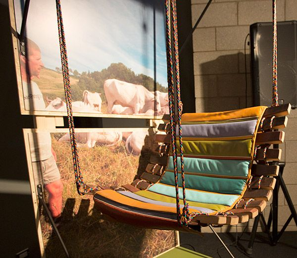 Super Cool Hanging Swing Diy Option Using Pallet Wood