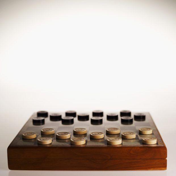 Cómo hacer un tablero de juego de damas
