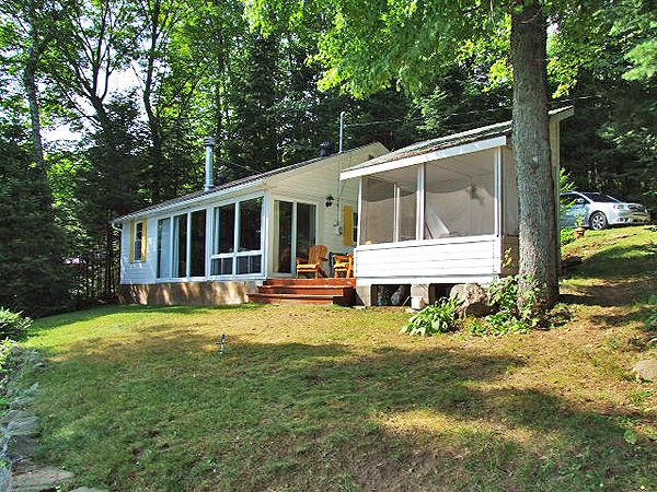 How about another cottage booking for the summer? Haliburton Lake 47 is available and economical accommodation for a maximum of 7 people. Pets are permitted.