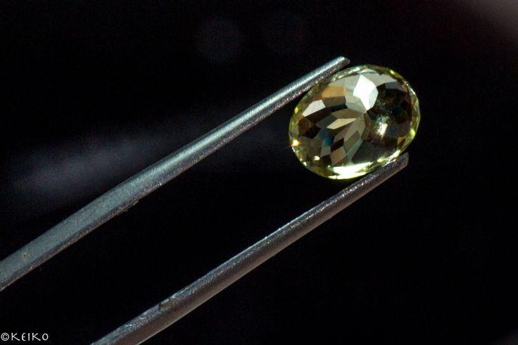 Flower cut #srisrisapphire #yellowsapphire #sapphire #gems #jewellery #srilanka #japan #australia