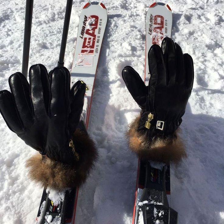 Questa è stata una giornata che abbiamo dedicato al testing dei nostri materiali. :-) #gloves #glove #Restelliguanti #Style #elegance #fashion #luxury #guanti #Restelli #Stile #eleganza #moda #luxury #fashiongloves #photooftheday #beauty #beautiful #winter #awesome #fashiongram #accessories #guanto #skiing #ski #nofilter #beautiful #fun #nature #pretty #skigloves #snow
