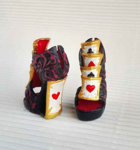 ZAPATOS-EVER-AFTER-HIGH-LIZZIE-HEARTS-MONSTER-HIGH-REPINTADOS-OOAK-SHOES