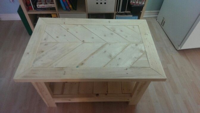 Table en bois 2x4, 1x6 et 2x2