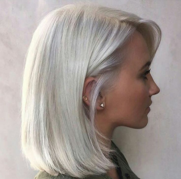 Short / platinum hair