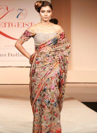 Have a Glance over Renu Dadlani #ParsiGara Design. #Fashion #Handembroidery #Designer
