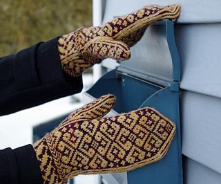Vintage Style Mittens - FREE Knit Pattern