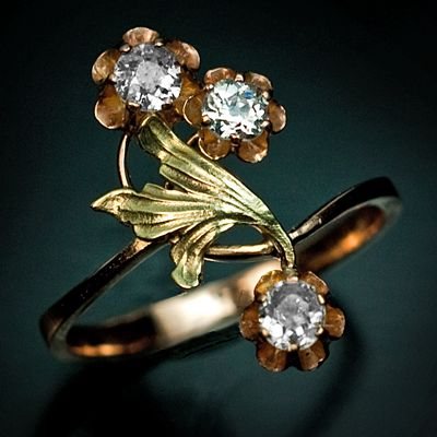 An Art Nouveau  Antique Russian Gold and Diamond Flower Ring    made in Moscow between 1908 and 1917