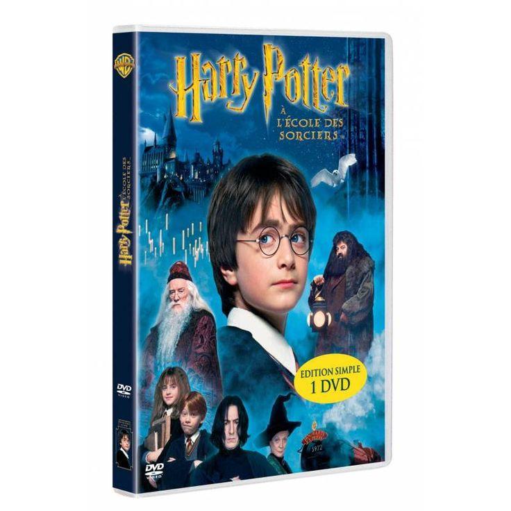 #dvd #harrypotter Synopsis : Lorsqu'il n'était encore qu'un bébé, les parents de Harry Potter furent tués par un sorcier puissant. Ayant miraculeusement survécu à cette attaque, Harry n'en n'a gardé qu'une cicatrice sur le front et a été adopté par sa tante et son horrible famille. Des années plus tard, alors qu'Harry apprend tout de ses véritables racines et rentre en première année de sorcellerie à Poudlard (l'école des sorciers), sa cicatrice se réveille…