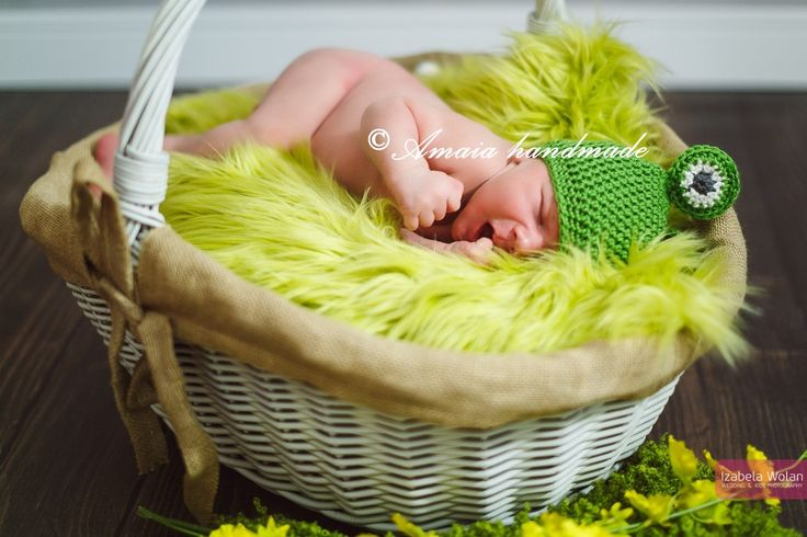 Baby frog hat, crochet frog hat, newborn frog hat, crochet animal hat, baby frog outfit, baby animal costume, baby photo props, baby costume by Amaiahandmade on Etsy