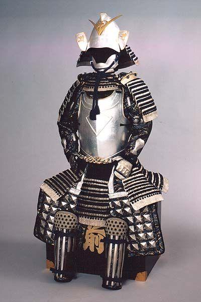 A samurai armor for Kenshin Uesugi   鎧兜上杉謙信