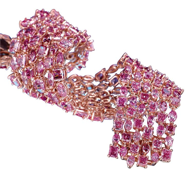 LJ West Majestic pink diamond bracelet worth approximately US$8 million, one of the most extravagant jewels on show at the one-day Out of the Vault pink diamond exhibition at Kensington Palace in October.