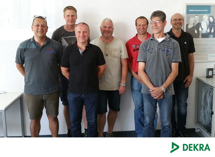 Erfolgreiche Teilnehmer unseres Seminars Leitern und Tritte der DEKRA Akademie in Freiburg.