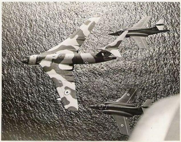 Handley page Victor K2 refuelling Blacburn Buccaneer strike aircraft.