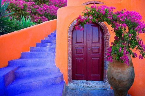 Porque un toque de color vuelve las calles más llamativas.