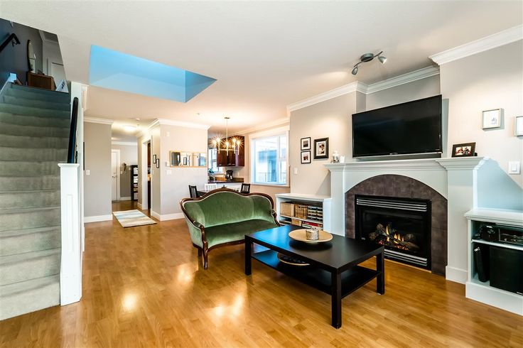 303 152 E 12TH STREET - Central Lonsdale Apartment/Condo for sale, 1 Bedroom (R2138621)