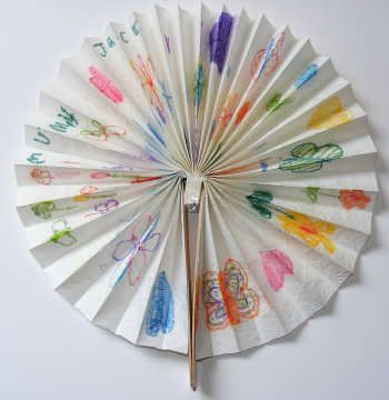 Chinese Fan Craft with paper, glue and popsicle sticks  http://make-handmade.com/2011/02/09/chinese-fan-craft/